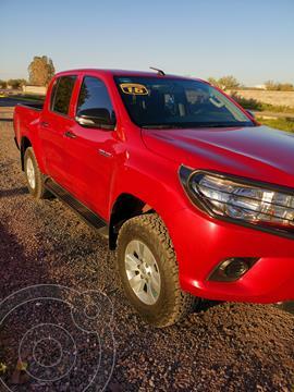 Toyota Hilux Cabina Doble SR usado (2016) color Rojo precio $285,000