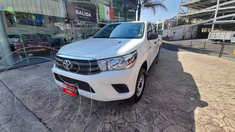 Toyota Hilux Cabina Doble Base usado (2021) color Blanco precio $409,000