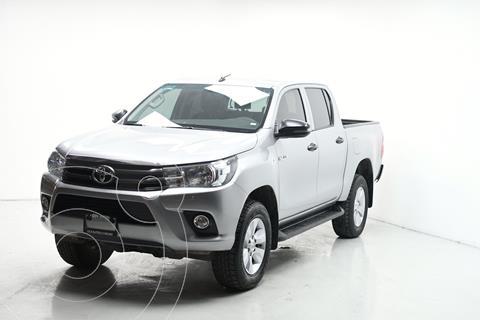 Toyota Hilux Cabina Doble SR usado (2019) color Plata Dorado precio $402,000