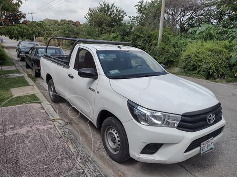 Toyota Hilux Cabina Sencilla Ac usado (2018) color Blanco precio $270,000
