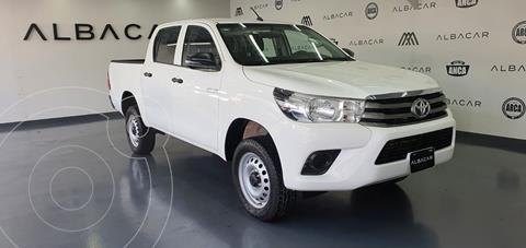 Toyota Hilux Cabina Doble Base usado (2018) color Blanco precio $359,900