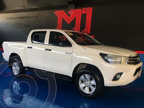 Toyota Hilux Cabina Doble SR usado (2019) color Blanco financiado en mensualidades(enganche $118,500 mensualidades desde $13,300)