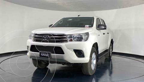 Toyota Hilux Cabina Sencilla usado (2018) color Blanco precio $397,999