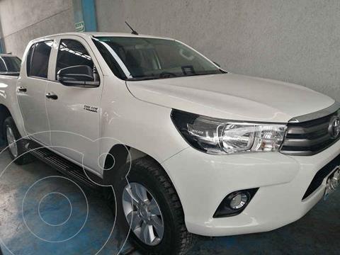 Toyota Hilux Cabina Doble Base usado (2020) color Blanco precio $389,000