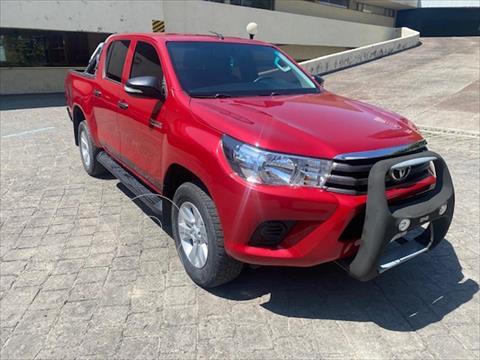 Toyota Hilux Cabina Doble SR usado (2017) color Rojo precio $398,000
