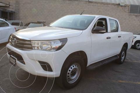 Toyota Hilux Cabina Doble Base usado (2016) color Blanco precio $262,000