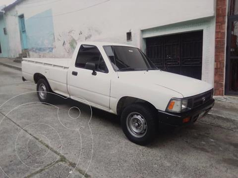 Toyota Hilux Cabina Sencilla Pick-up 4x2 L4,2.4,8v A 1 3 usado (1996) color Blanco precio BoF3.500
