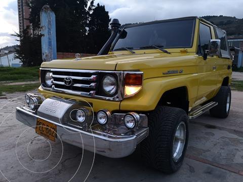 Toyota Land Cruiser  70 Cabinado Largo usado (1992) color Naranja precio $39.000.000