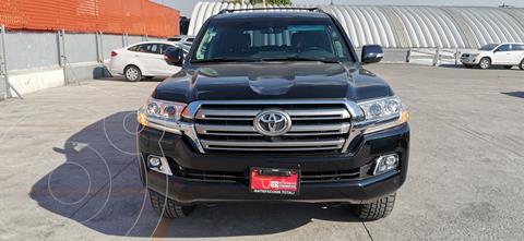 Toyota Land Cruiser 5.7L 4x4 usado (2017) color Plata Metalico precio $2,150,000