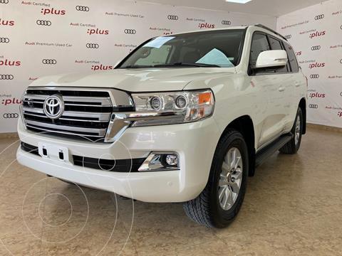 Toyota Land Cruiser 5.7L 4x4 usado (2021) color Blanco precio $1,599,000