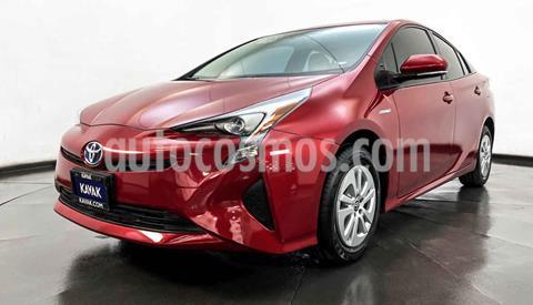 Toyota Prius BASE usado (2017) color Rojo precio $317,999