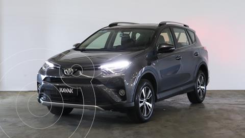 Toyota RAV4 VX 4x2 Aut Full usado (2018) color Gris Metalico precio $4.910.000