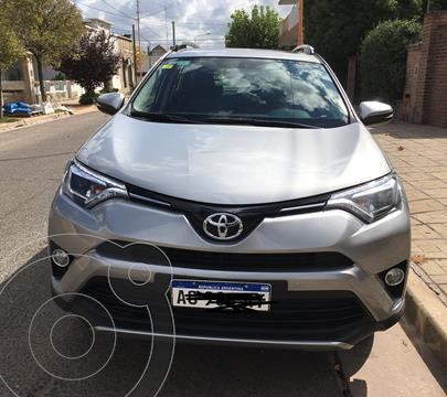 Toyota RAV4 VX 4x2 Aut Full usado (2018) color Beige precio u$s30.000
