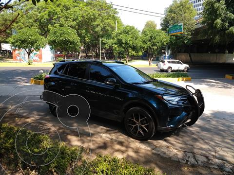 Toyota RAV4 SE 4WD usado (2018) color Azul precio $380,000