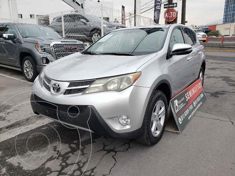 Toyota RAV4 XLE 4WD usado (2013) color Plata precio $228,000