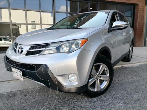 Toyota RAV4 XLE usado (2015) color Plata precio $275,000