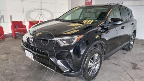 Toyota RAV4 XLE usado (2017) color Negro precio $315,000