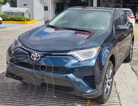 Toyota RAV4 LE usado (2018) color Azul precio $419,000
