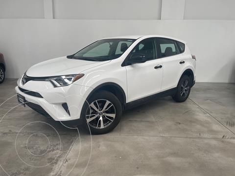 Toyota RAV4 2.5L Base usado (2018) color Blanco precio $370,000
