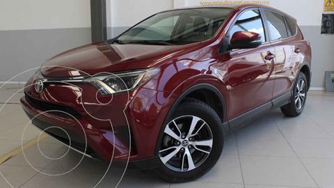 Toyota RAV4 XLE usado (2018) color Rojo precio $350,000