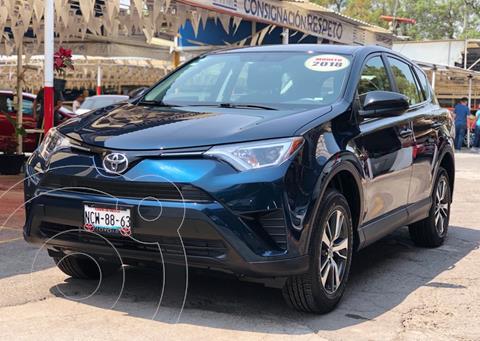 Toyota RAV4 LE usado (2018) color Azul precio $340,900