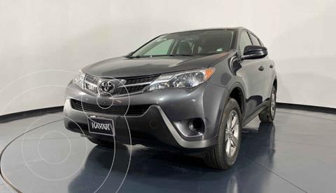 Toyota RAV4 LE usado (2015) color Gris precio $247,999