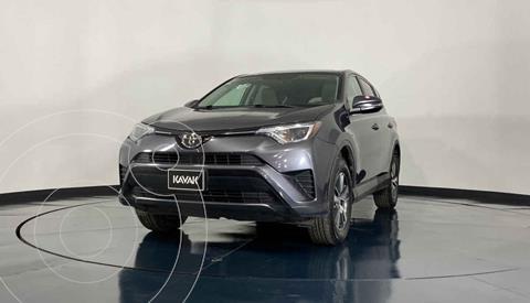 Toyota RAV4 SE 4WD usado (2017) color Gris precio $362,999