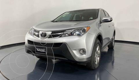 Toyota RAV4 XLE 4WD usado (2015) color Plata precio $284,999