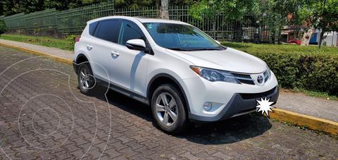Toyota RAV4 XLE 4WD usado (2015) color Blanco precio $220,000