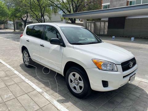 Toyota RAV4 2.4L Base usado (2011) color Blanco precio $179,900