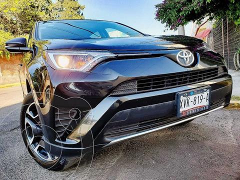 Toyota RAV4 XLE 4WD usado (2017) color Negro precio $280,000