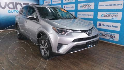 Toyota RAV4 LE usado (2016) color Plata Dorado precio $299,000