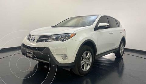 Toyota RAV4 XLE 4WD usado (2013) color Blanco precio $237,999
