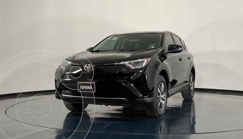 Toyota RAV4 XLE Plus 4WD usado (2017) color Blanco precio $351,999