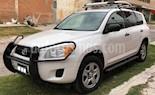 Toyota RAV4 2.5L Base 3a. fila de asientos usado (2011) color Blanco precio $169,900