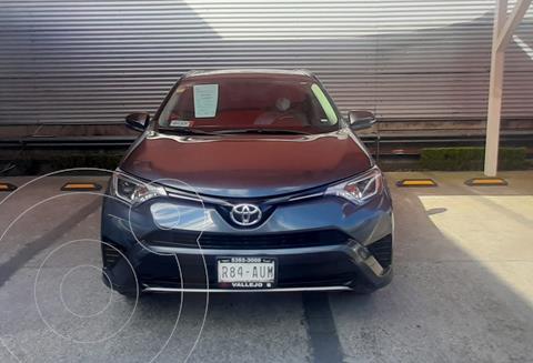 Toyota RAV4 2.5L Base usado (2018) color Gris Oscuro precio $410,000