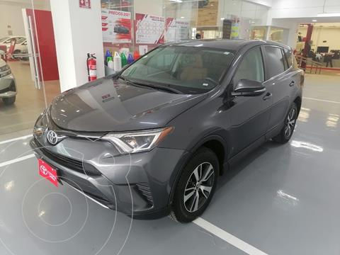 Toyota RAV4 XLE Plus 4WD usado (2017) color Gris precio $369,000