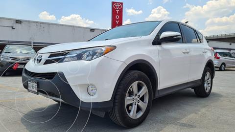 Toyota RAV4 XLE usado (2014) color Blanco precio $269,000