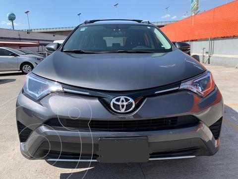 Toyota RAV4 XLE usado (2017) color Gris Oscuro precio $339,000