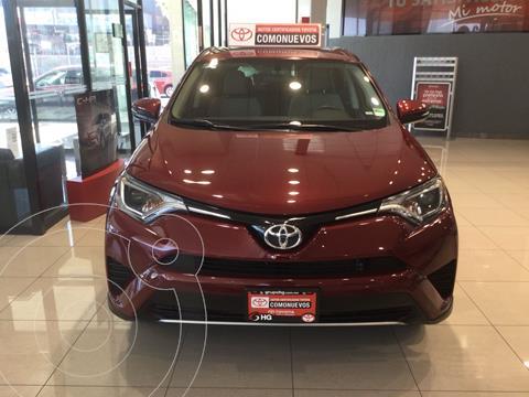 Toyota RAV4 XLE usado (2018) color Rojo Cobrizo precio $385,000