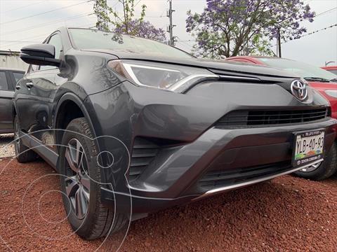 Toyota RAV4 XLE Plus 4WD usado (2016) color Gris Oscuro precio $284,999