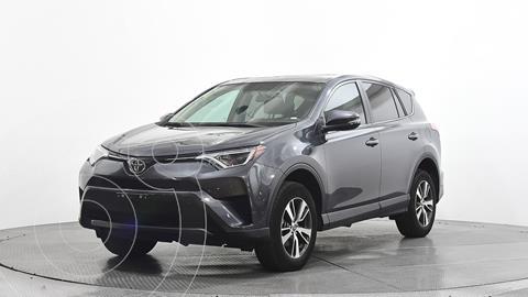 Toyota RAV4 XLE Plus 4WD usado (2018) color Gris precio $395,000