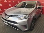 Foto venta Auto usado Toyota RAV4 XLE 4WD (2017) color Plata precio $379,000