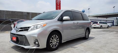 Toyota Sienna XLE usado (2020) color Plata precio $639,000
