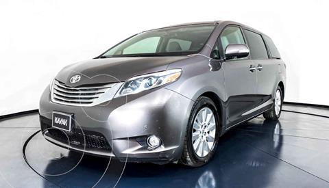 Toyota Sienna Limited 3.5L usado (2015) color Gris precio $399,999