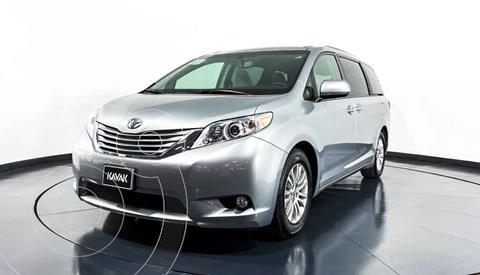 Toyota Sienna XLE 3.5L Piel usado (2016) color Plata precio $389,999