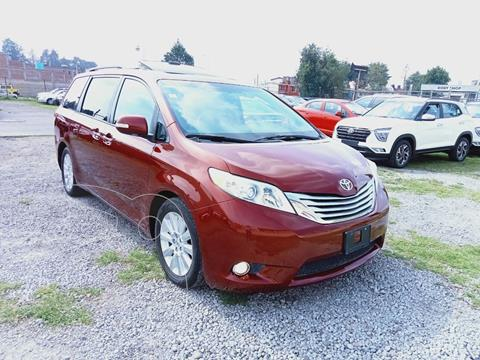 Toyota Sienna Limited 3.5L usado (2013) color Rojo Cobrizo precio $289,000