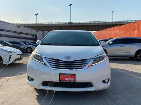 Toyota Sienna Limited 3.5L usado (2016) color Blanco Perla precio $479,000