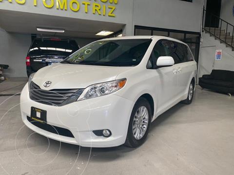 Toyota Sienna XLE 3.5L Piel usado (2015) color Blanco precio $319,000