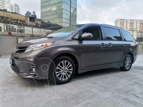 Toyota Sienna XLE 3.5L Piel usado (2020) color Gris Oscuro precio $610,000